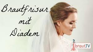 Hochsteckfrisurenen Diadem Anleitung by Brautfrisur Halboffen Mit Schleier Und Diadem Hochzeitsfrisur