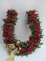 horseshoe wreath large shoe wreath with roses designs by ginny