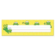 carson dellosa frogs design desk name plate cdp122010