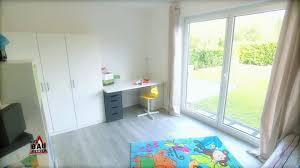 Schimmel Schlafzimmer Hinter Bett Ein Neustart Für Fam Schwarz Ibach Unterstützt