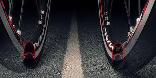pneu sans chambre à air pneu vélo route tubeless tubetype boyau avantages et inconvénients
