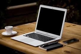 image libre tasse à café bureau ordinateur portable technologie