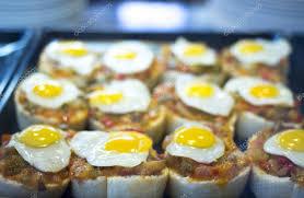 de cuisine espagnole plats de tapas œuf de cuisine espagnole au restaurant photographie