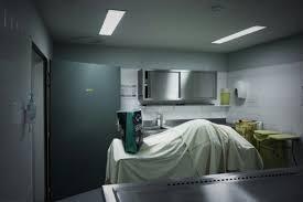 de chambre mortuaire salaire la chambre mortuaire de bichat brise un tabou en ouvrant ses portes