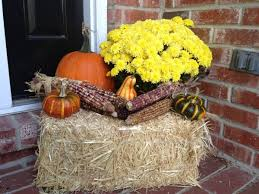 Outdoor Halloween Decorations With Hay by 5 Easy Ways To Inspire Your Fall Decorating Gourds Pumpkins