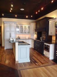 Kitchen Showroom Design by 19 Best Cabinet Showroom Ideas By Seigles Images On Pinterest