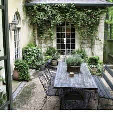 25 beautiful courtyard ideas ideas on small garden best 25 small courtyards ideas on small courtyard