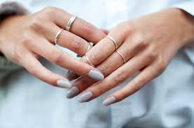 beautiful neutral gel nails for fall