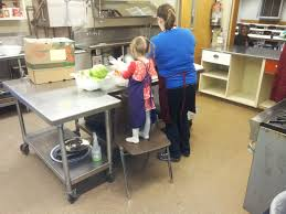 Kids Kitchen Table by Free Meals For Children Anchorage Ak Kids U0027 Kitchen Inc