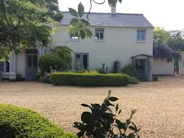 e5552 cottage attached to period house with use of owners