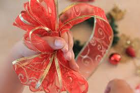 big christmas bows how to make a christmas bow marryl crafts