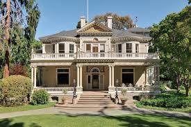 Calabasas Ca Celebrity Homes by Selena Gomez U0027s Mediterranean House 5150 Garrett Ct Calabasas Ca