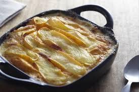 cuisiner le poireaux recette de gratin de poireaux et pommes de terre au reblochon facile