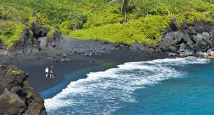 Black Sand Beaches Maui by Travel To Maui L Hawaii L Discover America