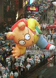 arthur balloon in macy s thanksgiving day parade pictures getty