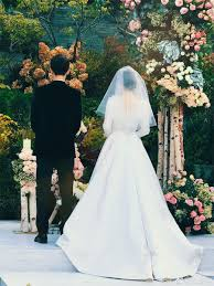wedding dress song everything you need to about song hye kyo s wedding dress