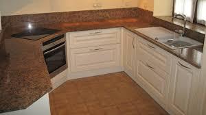 plan de cuisine en granit granite cuisine merveilleux plan de travail de cuisine en quartz