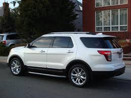 differences between the sport and limited ford explorer and ford