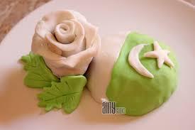 pakistan day custard cupcakes