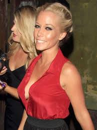 open blouse kendra wilkinson cleavage open blouse 照片从liz 483 照片图像图像