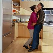 what color floors go with honey oak cabinets what type of laminate looks best with oak cabinets