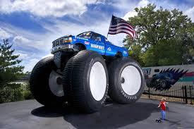 biggest bigfoot monster truck atamu