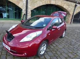 nissan leaf battery cost uk nissan reaches 10 000 leaf electric car sales in uk air quality news
