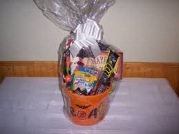 How To Make Gift Baskets How To Make A Halloween Gift Basket For Kids Jaquo Lifestyle
