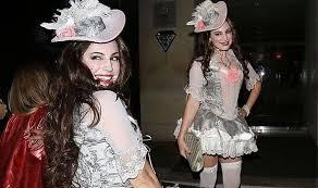 Marie Antoinette Halloween Costume Kelly Brook Opts Racy Marie Antoinette Costume Star