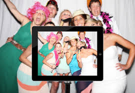 diy photo booth wedding how to diy photobooth for a modern style wedding paperlust