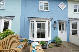 self catering holiday cottage in aldeburgh with an open fire