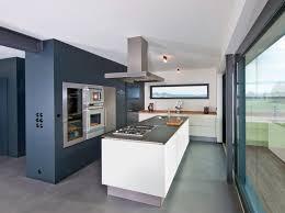 offene küche mit kochinsel moderne küchen mit kochinsel grundriss ambiznes