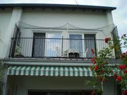 katzenschutz balkon großen freistehender balkon vernetzen katzen forum