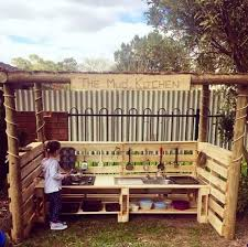Best Kids Play Kitchen by Best 20 Outdoor Play Kitchen Ideas On Pinterest Mud Pie Kitchen