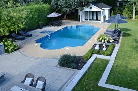 amenagement exterieur piscine un aménagement paysager de prestige autour d u0027une piscine creusée