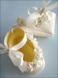 ruffled ribbon shoes with ruffled ribbon