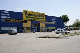 bureau vallee aucamville bureau vallée locaux commerciaux à louer