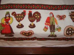 vintage european country roosters thanksgiving tablecloth