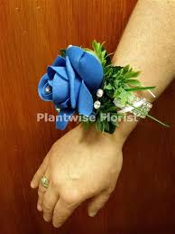 Corsage For Prom Plantwise Florist Canvey Island And Benfleet Prom Wrist