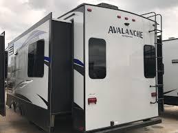 2018 keystone avalanche fifth wheel 300re holiday world of dallas