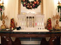white house decorations inside the white house during