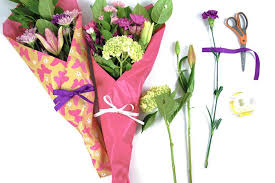 flower pro how to gift wrap fresh flowers like a pro