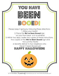 the tomkat studio halloween free printable boo sign u0026 instructions