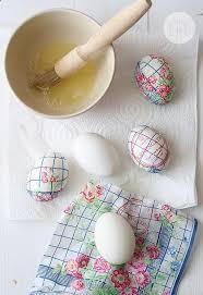Decorate Easter Eggs Games 29 easter egg decorating ideas anyone can make decorating easter