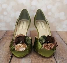 wedding shoes green green with envy how to make them jealous with green wedding shoes