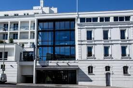 bureau de change germain en laye atrium hotel suresnes business hotel la défense map