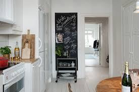 cuisine sur un pan de mur peinture ardoise on adopte la peinture ardoise dans toute la