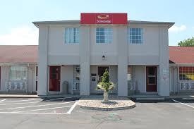 Comfort Inn And Suites Sandusky Ohio Econo Lodge Inn U0026 Suites Sandusky Oh Booking Com