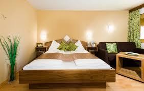 colori muro da letto gallery of scegliere il colore delle pareti in perfetto stile feng