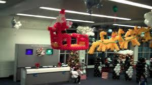 balloon christmas decorations at laguardia airport youtube
